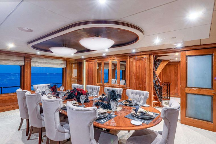 MI AMORE Yacht Charter - Formal Dining