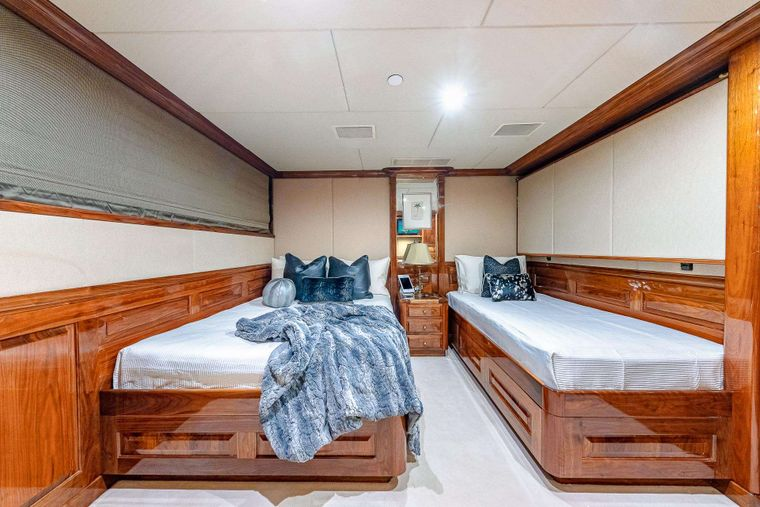 MI AMORE Yacht Charter - Guest Stateroom
