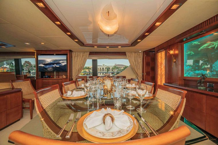 VIVERE Yacht Charter - Formal Dining
