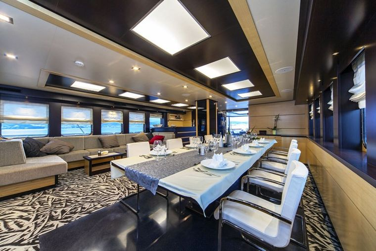 NAVILUX Yacht Charter - Dining area