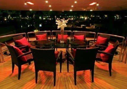 LEIGHT STAR Yacht Charter - Dining