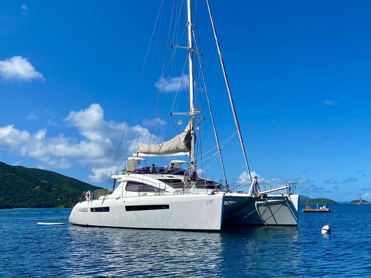 TRES SUENOS Yacht Charter - Ritzy Charters