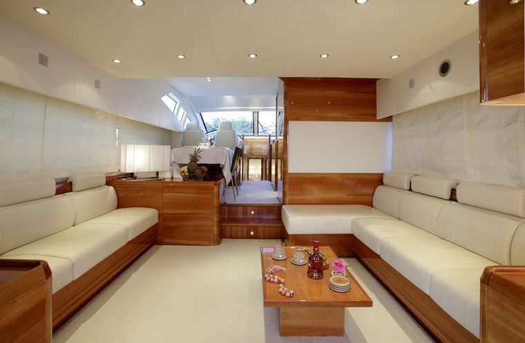GEORGE V Yacht Charter - Saloon