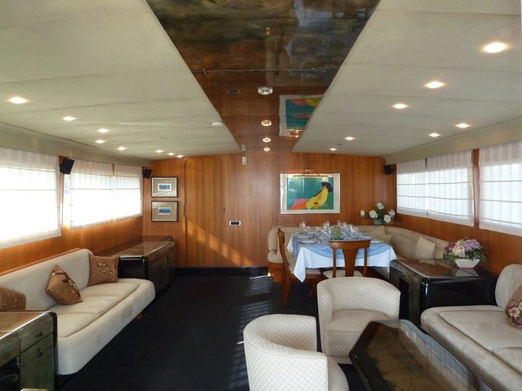 LADY TATIANA OF LONDON Yacht Charter - The saloon can comfortably seat 11 guests for socialising