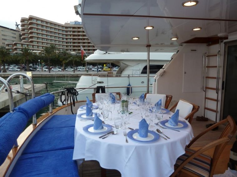 LADY TATIANA OF LONDON Yacht Charter - The aft cockpit accommodates 11 guests comfortably and also has an outside bar