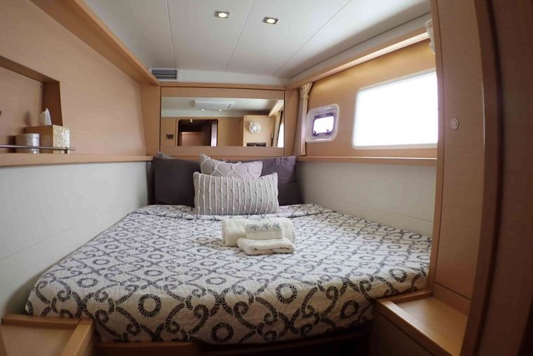 GYPSY PRINCESS Yacht Charter - Guest cabin #3 (Queen or twin V)