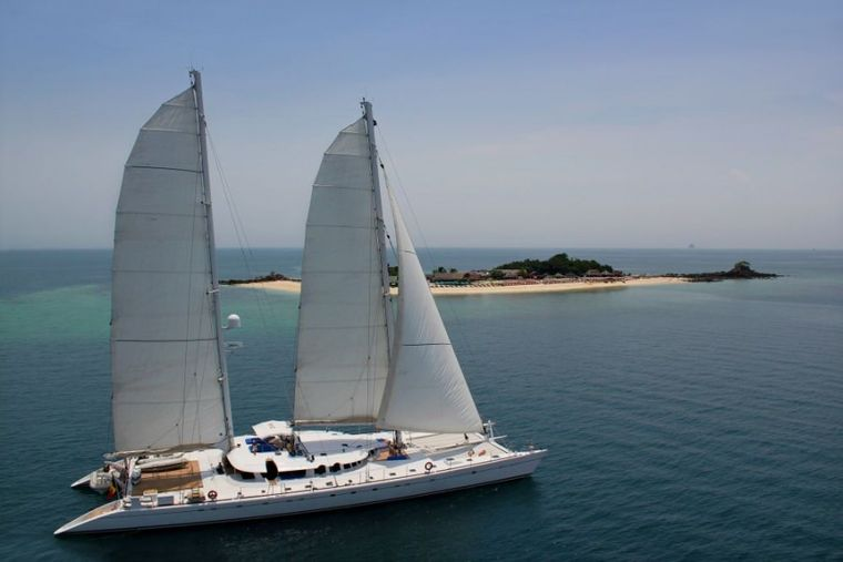 DOUCE FRANCE Yacht Charter - Ritzy Charters