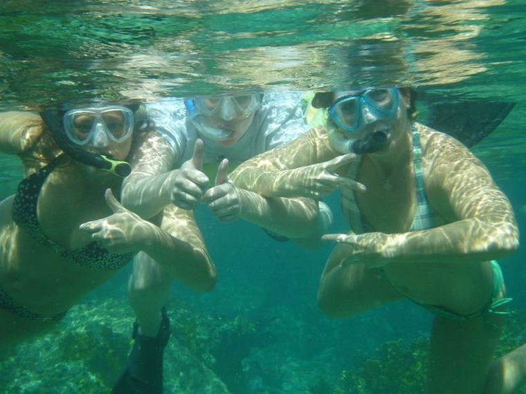 COPPER PENNY Yacht Charter - Swimming with the Fish