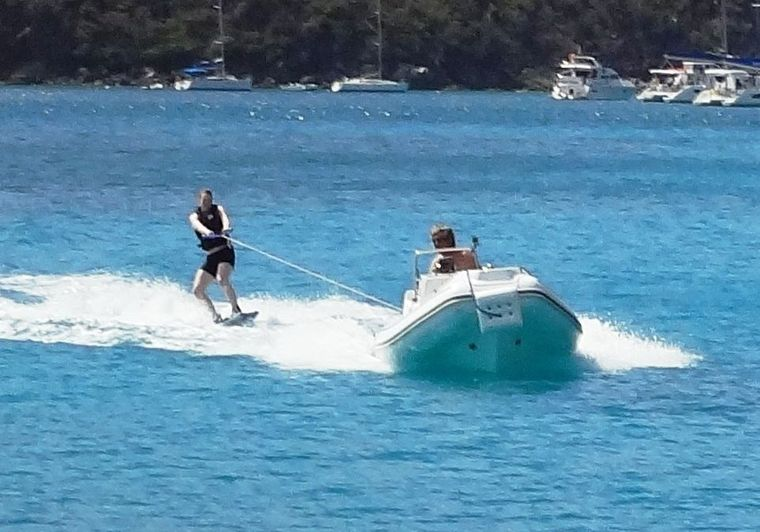 COPPER PENNY Yacht Charter - Waterskiing and Kneeboarding