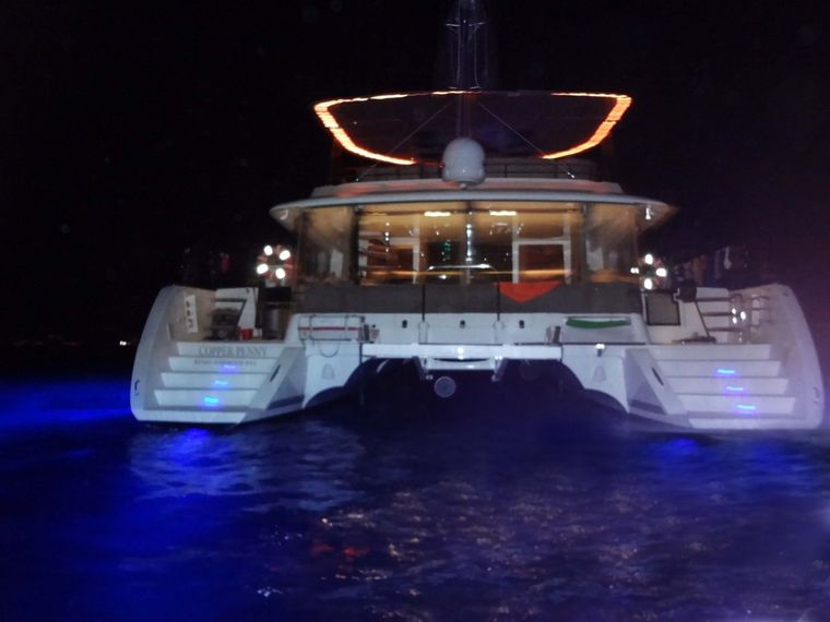 COPPER PENNY Yacht Charter - Underwater lights and camera