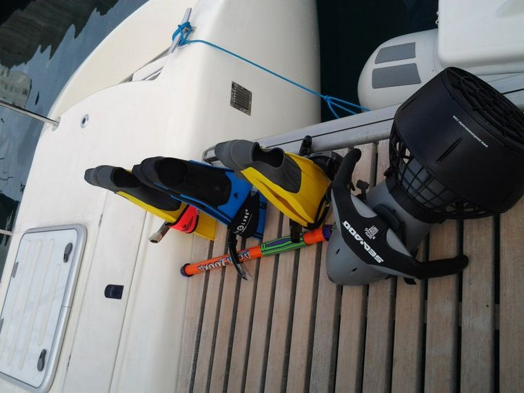 FEEL THE MAGIC Yacht Charter - Snuba - for more underwater action!