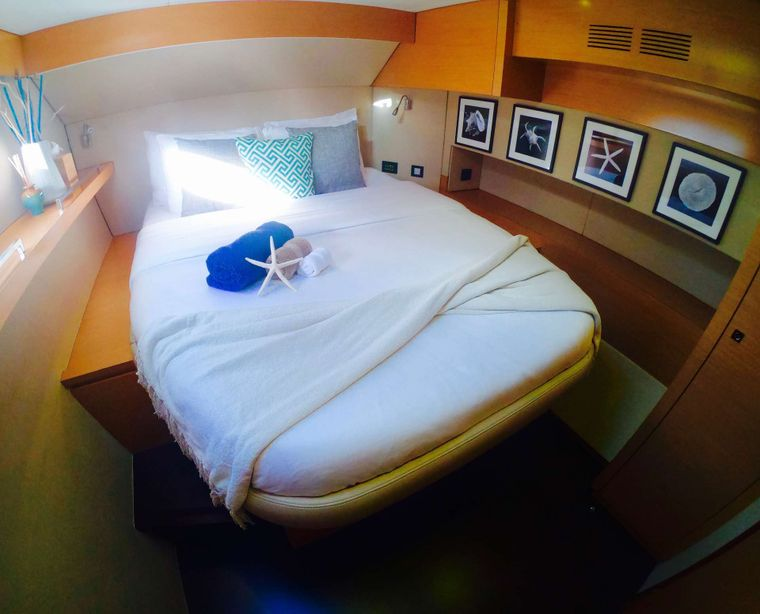 ODYSSEA Yacht Charter - Guest Cabin Stbd Aft
