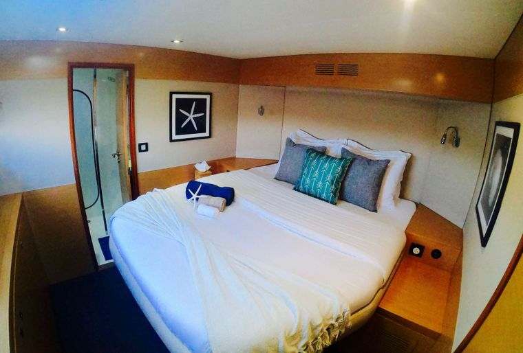 ODYSSEA Yacht Charter - Guest Cabin Stbd Fwd