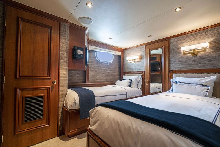 LEGACY Yacht Charter - Twin Guest Stateroom