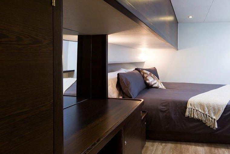 TRANQUILITY Yacht Charter - Queen guest cabin