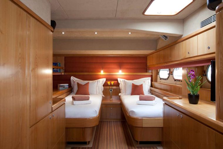 ORION 90 Yacht Charter - Twin Guest Stateroom - Convertible