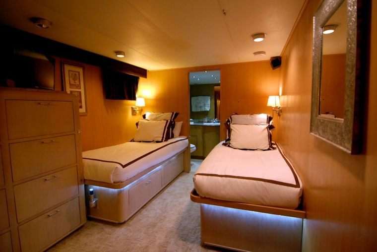 KALEEN Yacht Charter - Twin Guest Stateroom