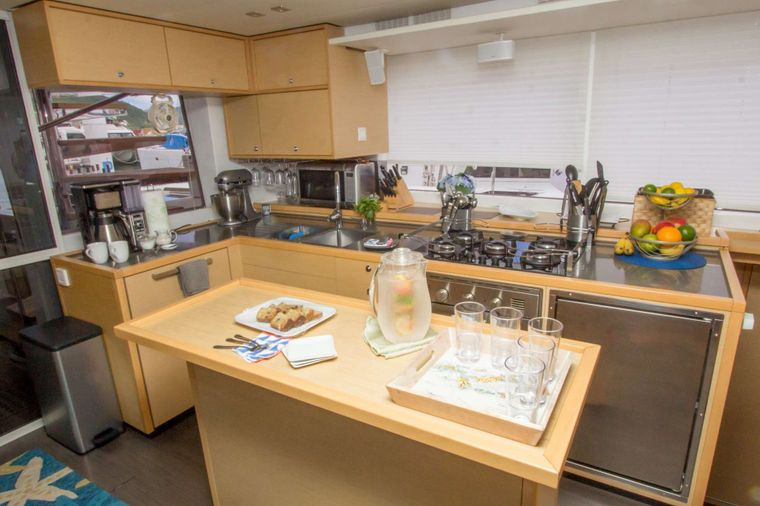 AZULIA II Yacht Charter - Large galley with 5 burner stove and full size oven.