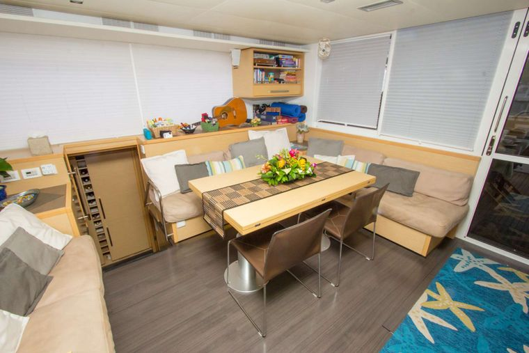 AZULIA II Yacht Charter - Salon dining area. Table expands to seat 8 comfortably.