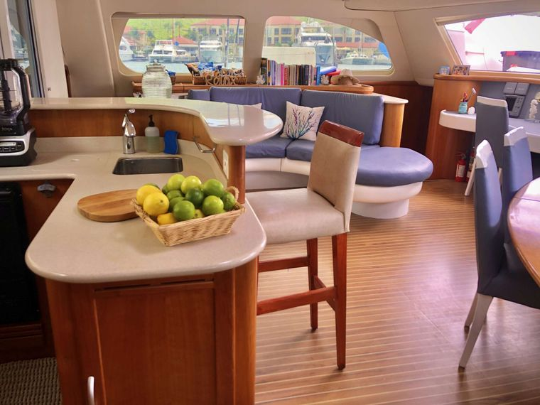 GOOD VIBRATIONS L62 Yacht Charter - Main salon with happy hour bar