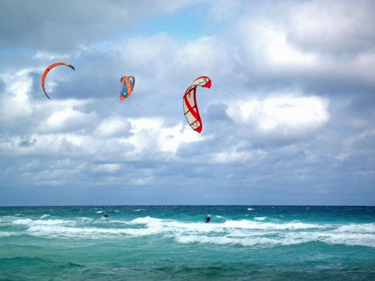 RUBICON Yacht Charter - Guests Kiting
