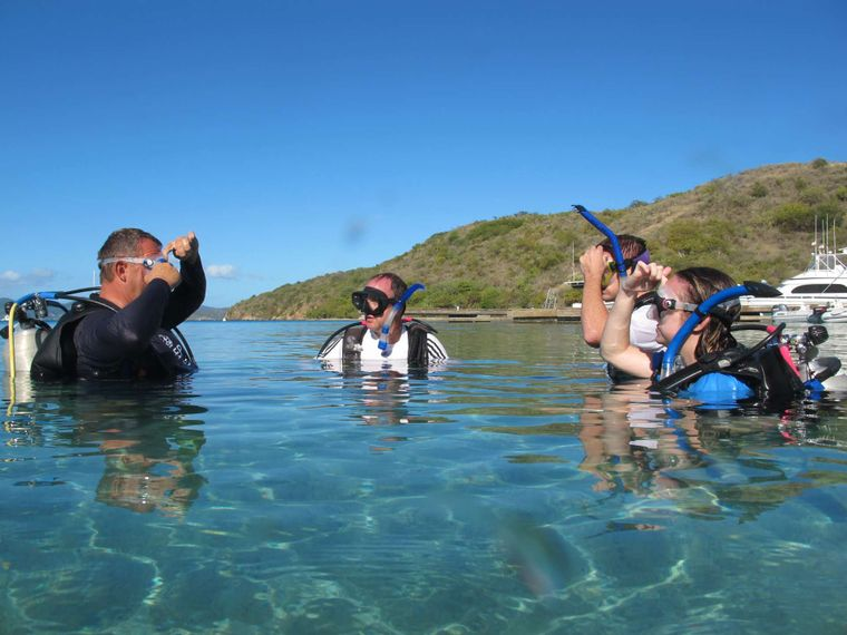 THE BIG DOG Yacht Charter - Dive instructions