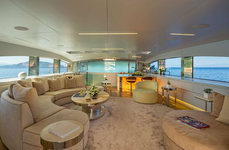 BARENTS SEA Yacht Charter - Upper Saloon
