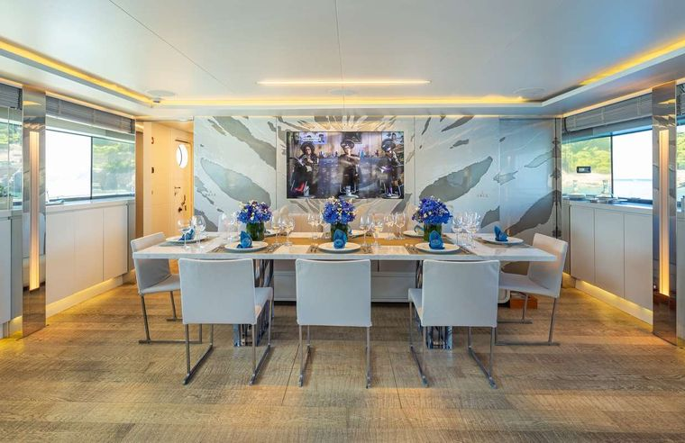 BARENTS SEA Yacht Charter - Dining