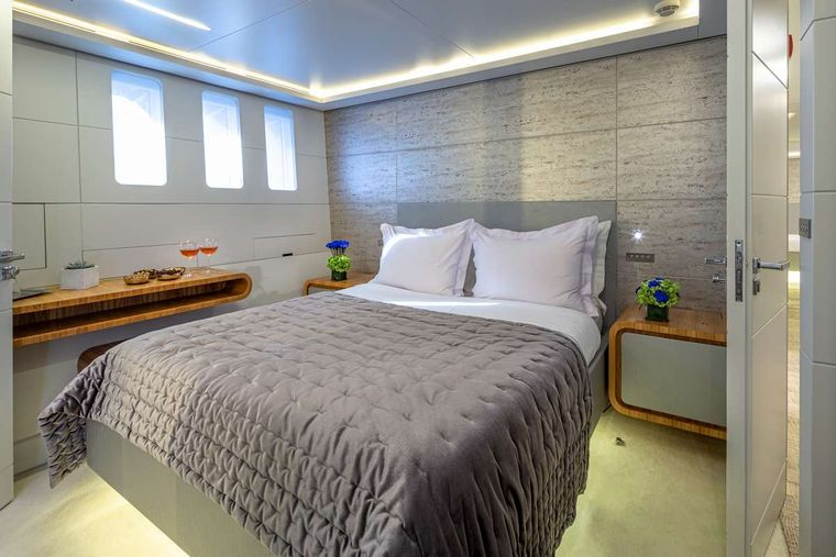 BARENTS SEA Yacht Charter - Double cabin