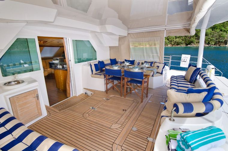 XENIA62 Yacht Charter - Lovely cockpit for lounging