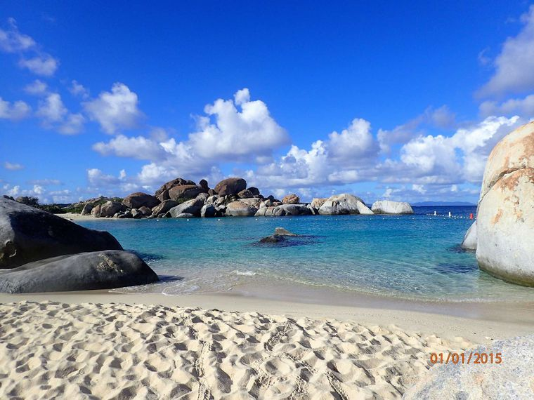 ELIXIR Yacht Charter - Stunning beaches for the ultimate photos