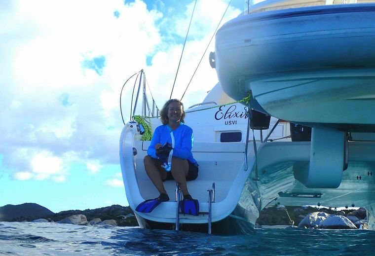 ELIXIR Yacht Charter - Easy access in & out of the water from aft scoops