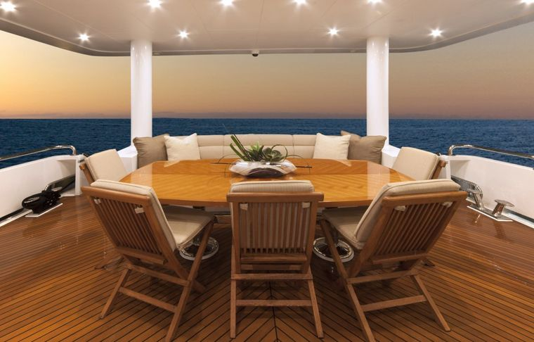 CARBON COPY Yacht Charter - Aft Deck Dining