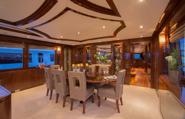 CARBON COPY Yacht Charter - Dining