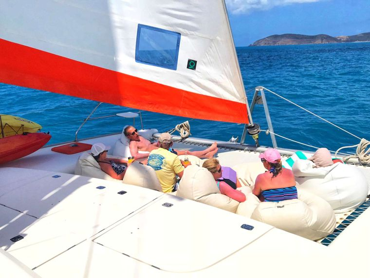 STARFISH Yacht Charter - Good friends, good times.