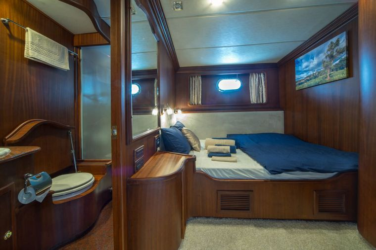 ALBA Yacht Charter - Doble bed cabin 1