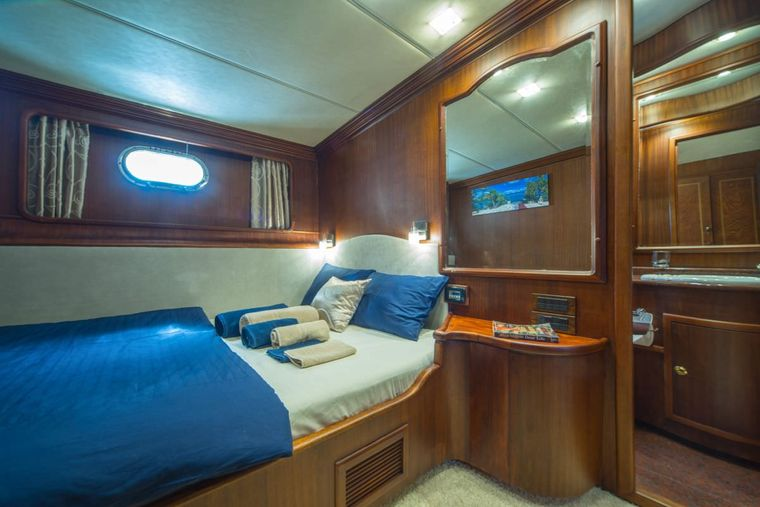 ALBA Yacht Charter - Double bed cabin 2