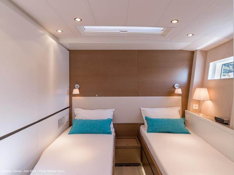 NEYINA Yacht Charter - The twin beds cabin convertible into a double bed