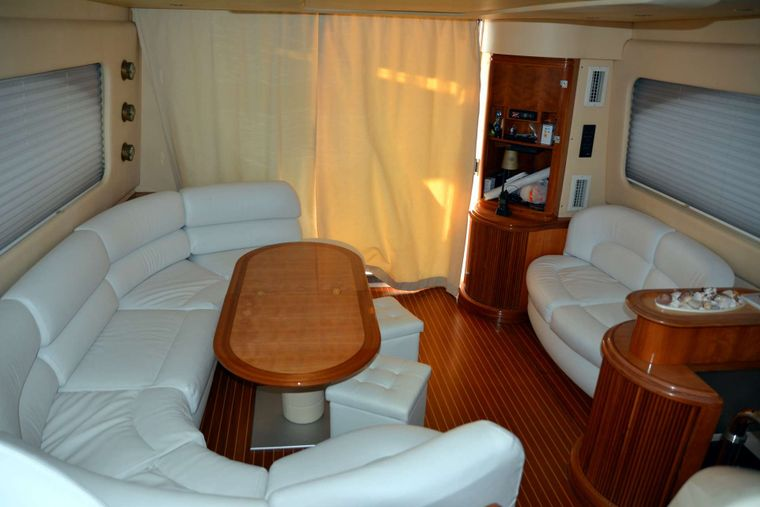 ALMA LIBRE II Yacht Charter - Saloon Another View