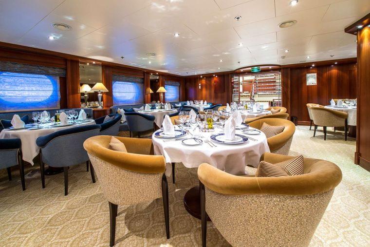 LAUREN L Yacht Charter - Dining Area