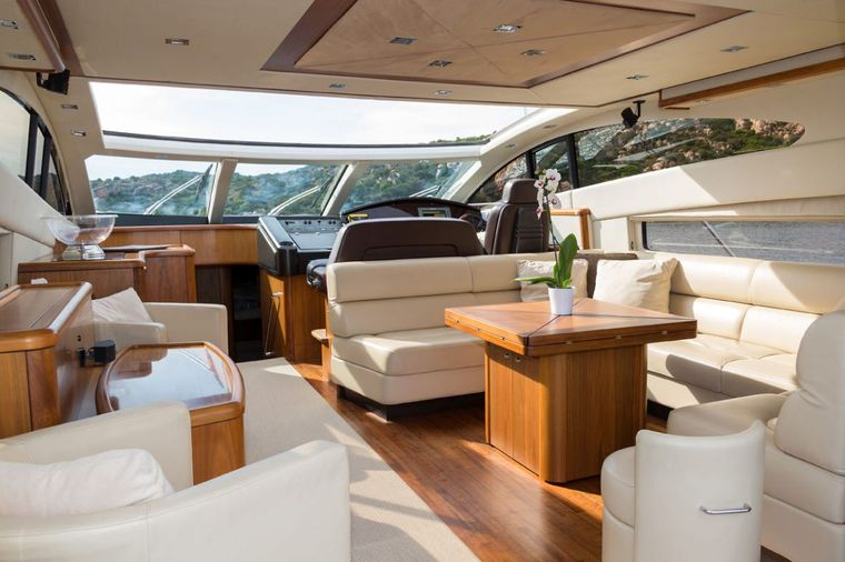 ASPIRE OF LONDON Yacht Charter - salon and commands