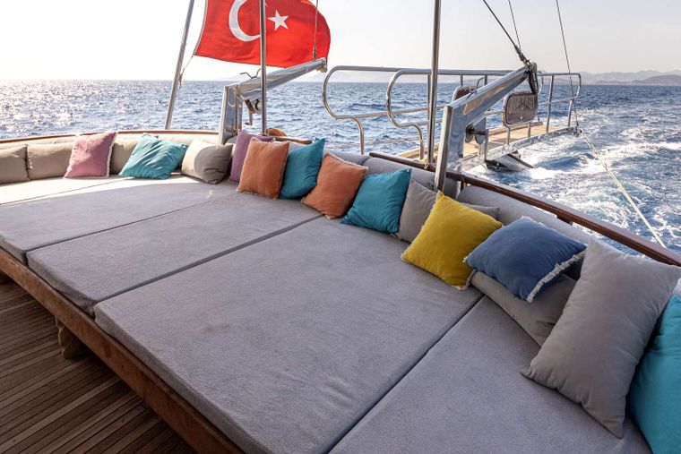 Bodrum Queen Yacht Charter - aft sitting area