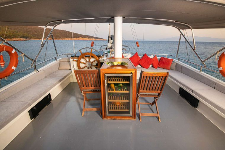 Bodrum Queen Yacht Charter - flybridge  with wine cooler bar