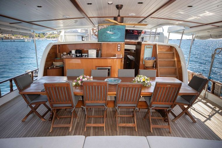Bodrum Queen Yacht Charter - dining area