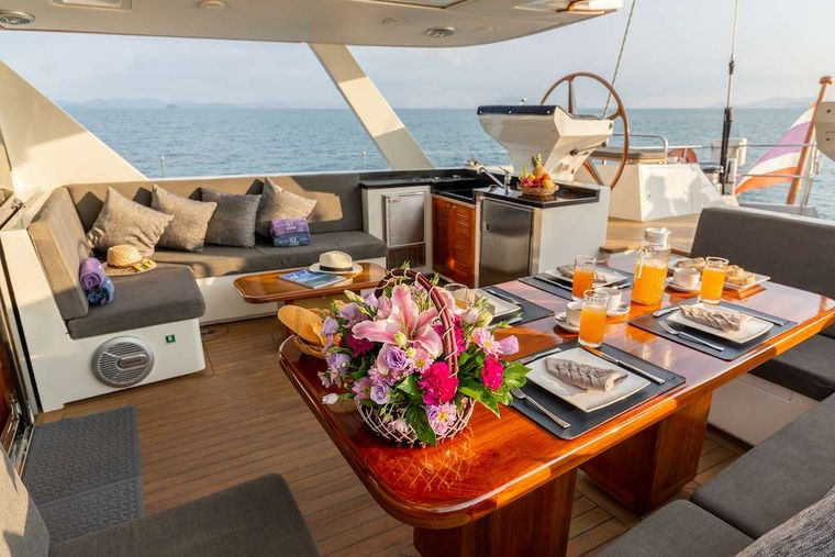 SILVERLINING Yacht Charter - Hard Top Cockpit Dining area