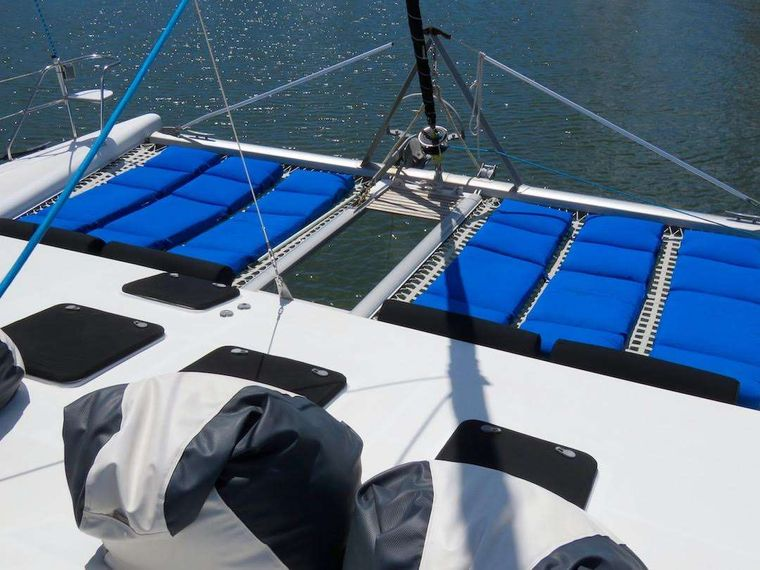 TURQUOISE TURTLE Yacht Charter - Loungers for the trampolines
