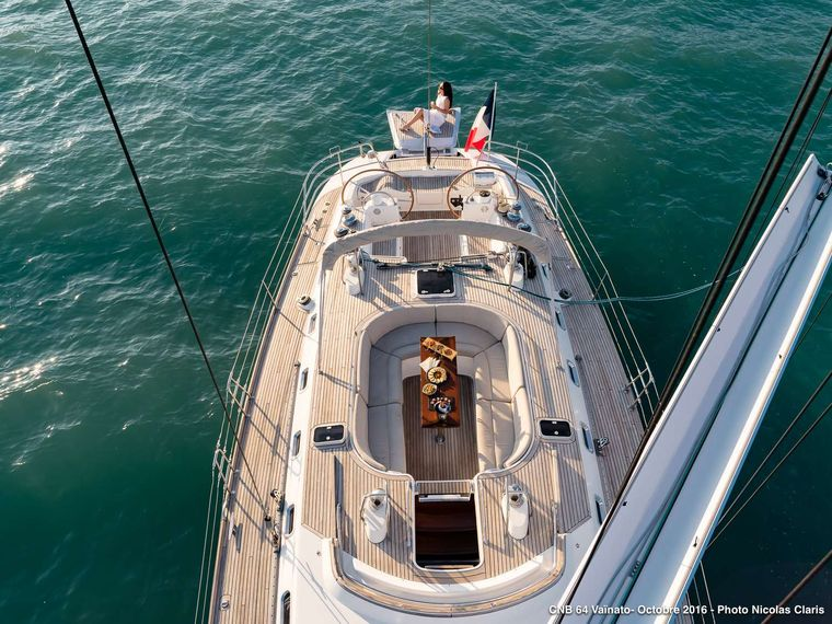 VAINATO Yacht Charter - Cockpit with swimming plateform
