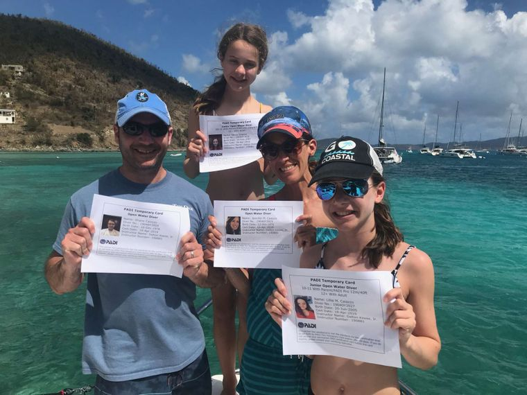 MANNA Yacht Charter - Newly certified divers!
