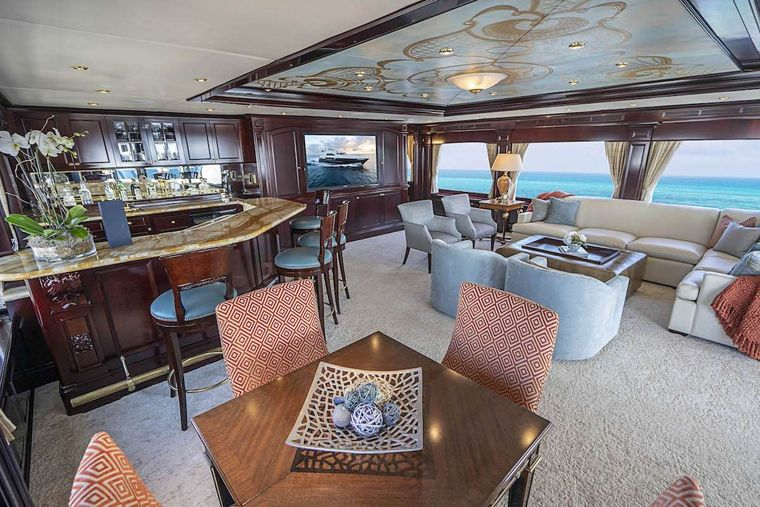 NEVER ENOUGH Yacht Charter - Skylounge