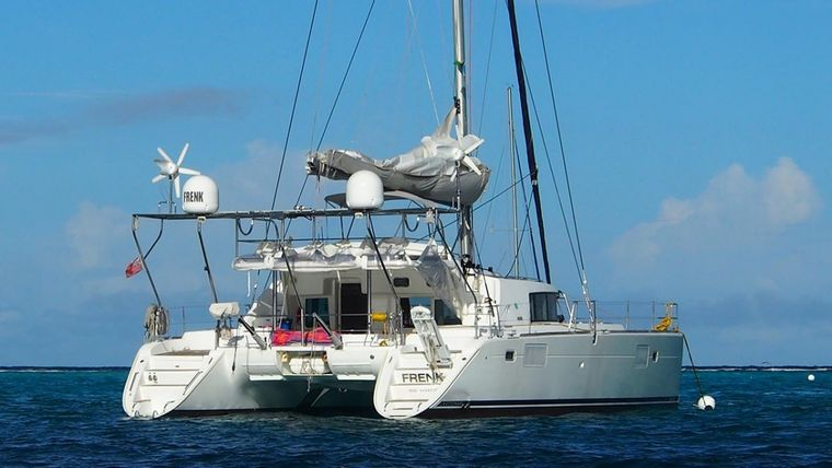 FRENK Yacht Charter - Ritzy Charters